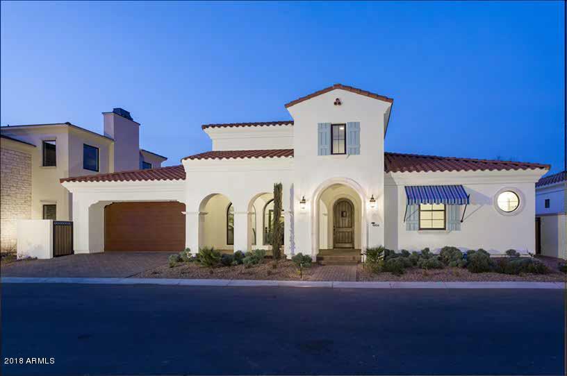 獨棟家庭住宅 為 出售 在 3918 E Crittenden Lane 3918 E Crittenden Lane Phoenix, 亞利桑那州,85018 美國