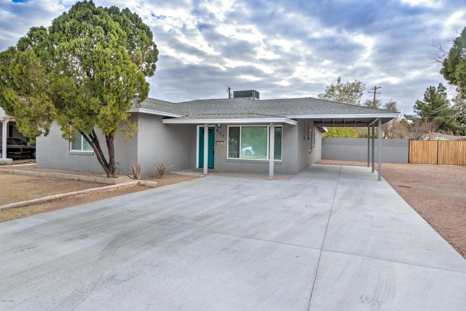 Photo of 611 N SUNLAND Drive, Chandler, AZ 85225