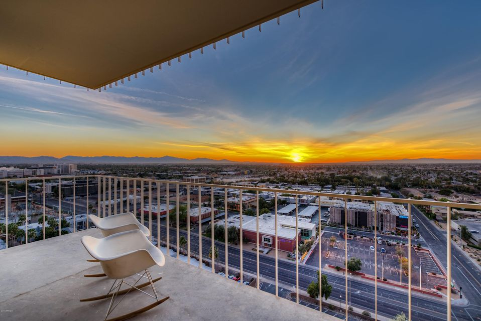 Photo of 207 W CLARENDON Avenue #B18, Phoenix, AZ 85013