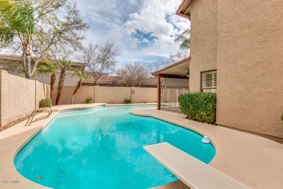 MLS 5723518 1017 N SEA HAVEN Court, Gilbert, AZ Gilbert AZ Val Vista Lakes