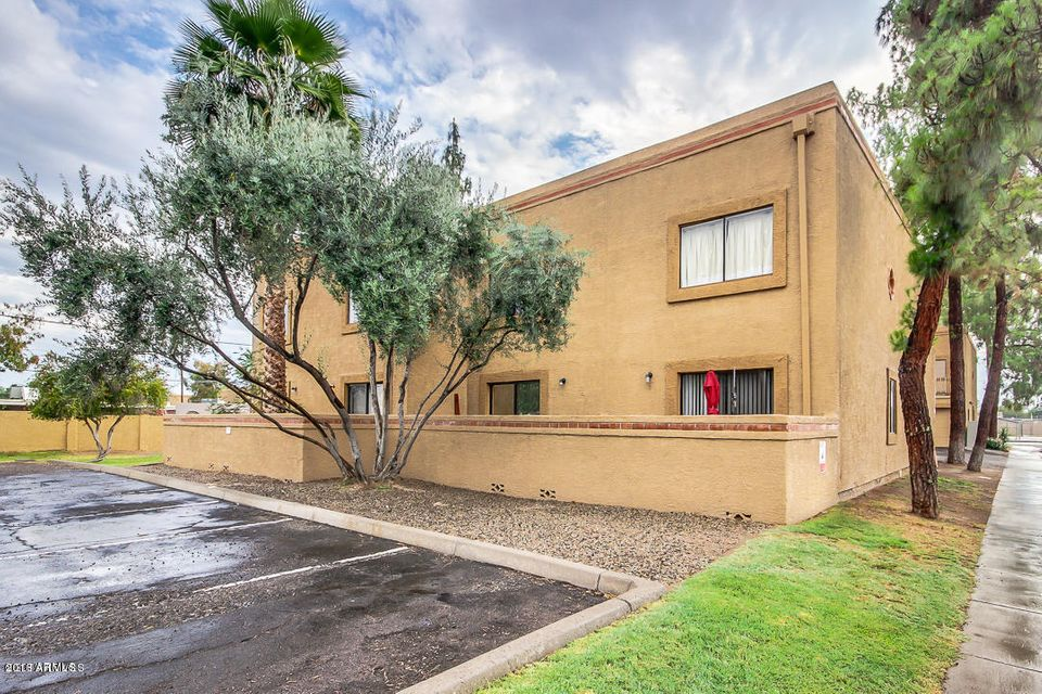 Photo of 2031 W BLOOMFIELD Road #3, Phoenix, AZ 85029