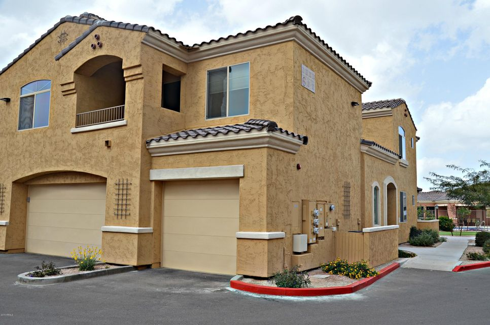 Photo of 900 S CANAL Drive #223, Chandler, AZ 85225