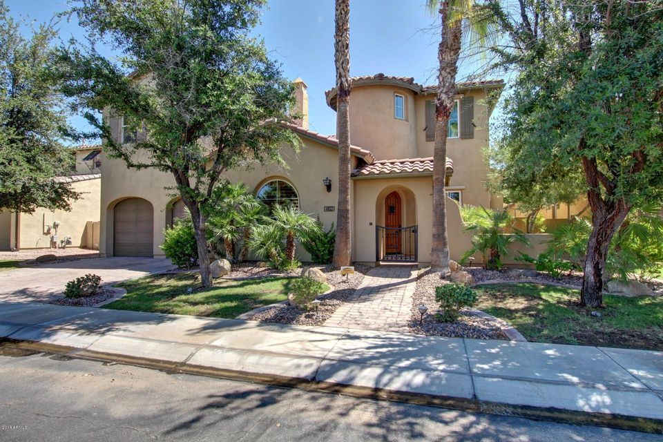 Photo of 4453 S GREYTHORNE Way, Chandler, AZ 85248