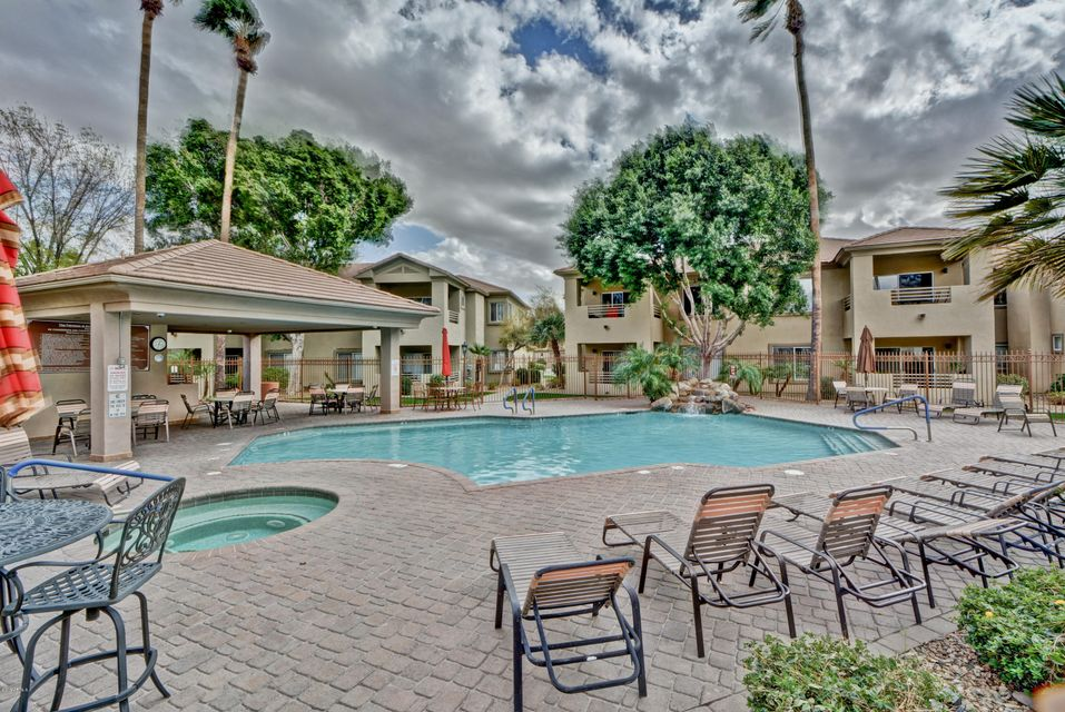 MLS 5726008 7401 W ARROWHEAD CLUBHOUSE Drive Unit 1090, Glendale, AZ Glendale AZ Golf Luxury