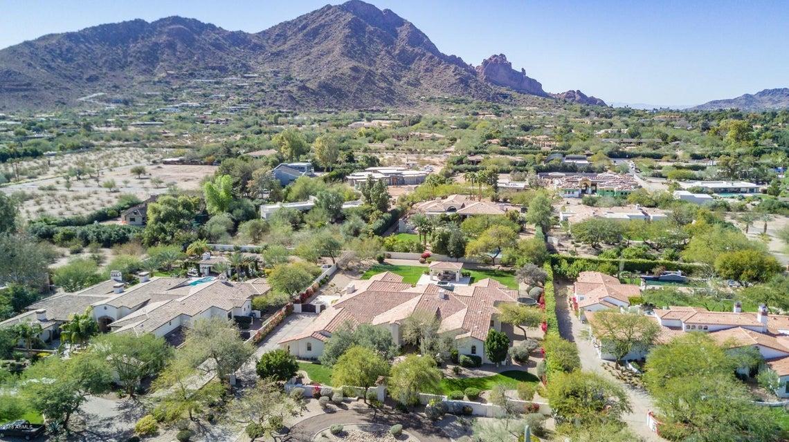 5716 N CASA BLANCA Drive, Paradise Valley AZ 85253