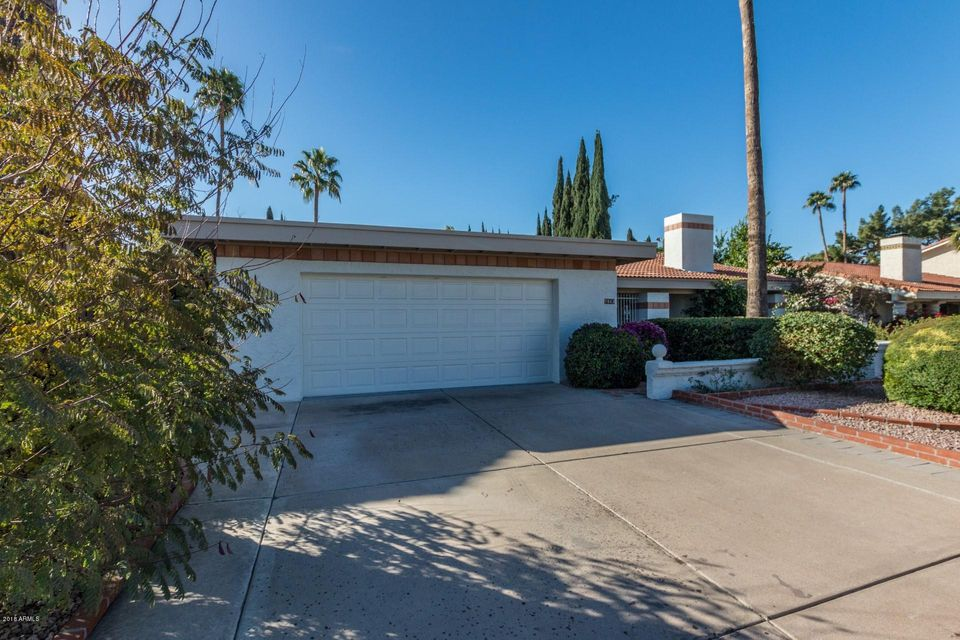 Photo of home for sale at 7463 TIMBERLANE Court E, Scottsdale AZ
