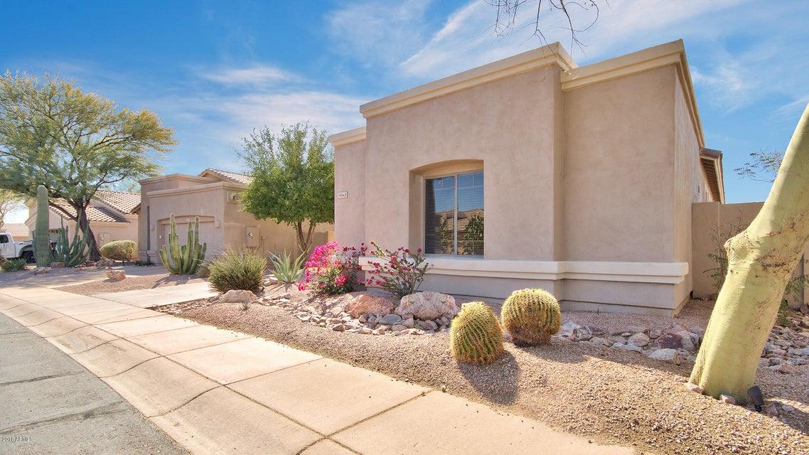 Photo of home for sale at 5043 ROBIN Lane E, Phoenix AZ