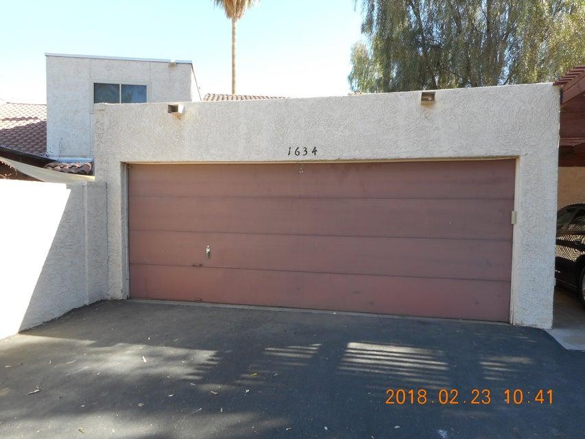 Photo of 1634 S TORRE MOLINOS Circle, Tempe, AZ 85281