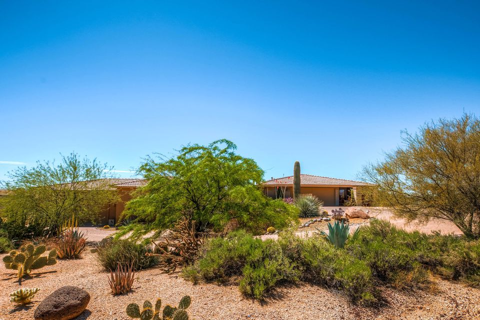 MLS 5728224 9421 E Here to There Drive, Carefree, AZ Carefree AZ Private Pool