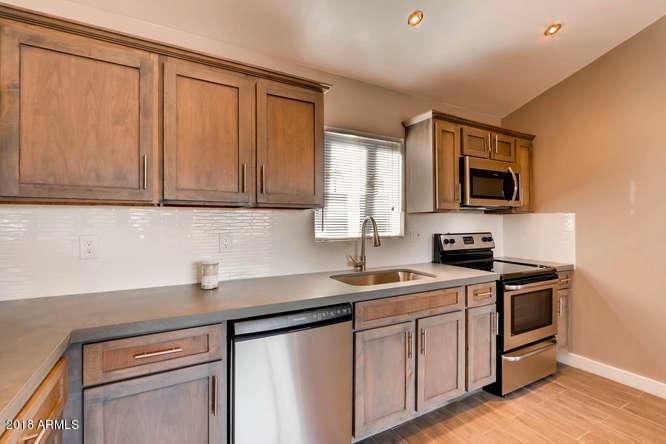 2042 N 9TH Street Unit R Phoenix, AZ 85006 - MLS #: 5731685
