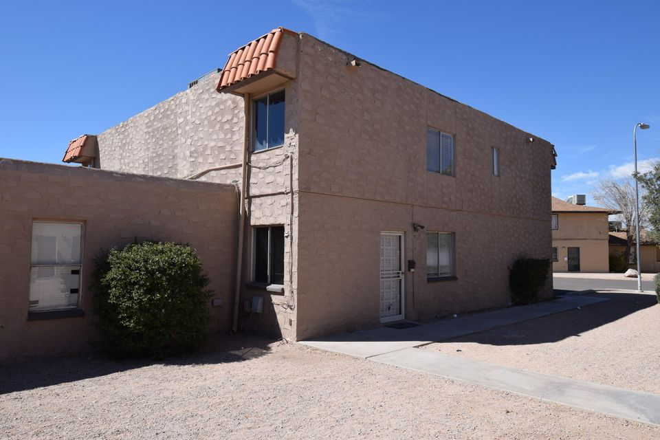 Photo of 4717 E BELLEVIEW Street, Phoenix, AZ 85008