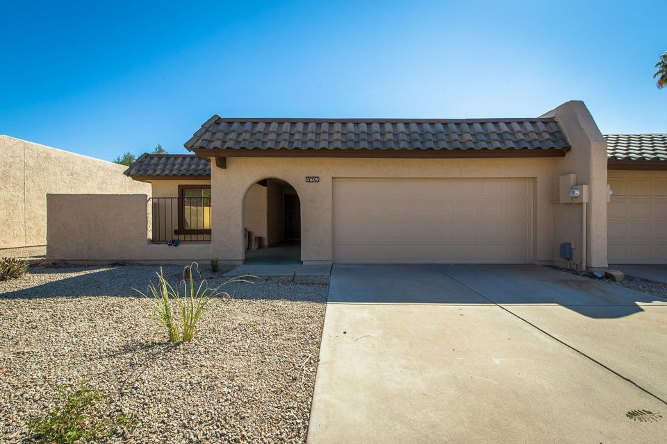 Photo of 11609 S MAZE Court, Phoenix, AZ 85044