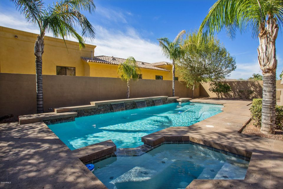 MLS 5736338 2437 S HUMMINGBIRD Place, Chandler, AZ 3+ Car Garage