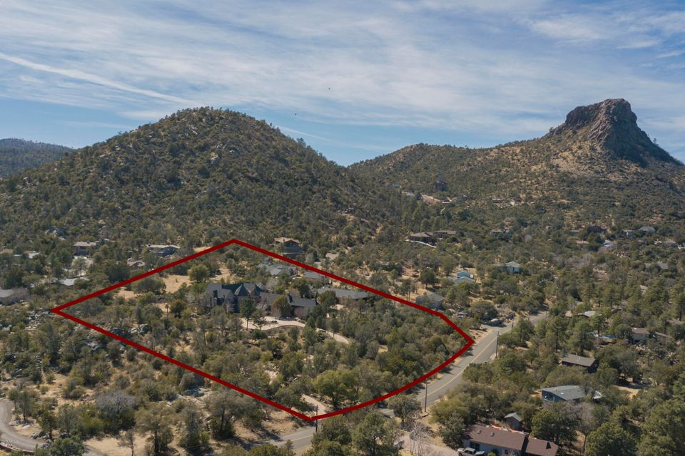 MLS 5736016 2031 W THUMB BUTTE Road, Prescott, AZ Prescott Horse Property for Sale