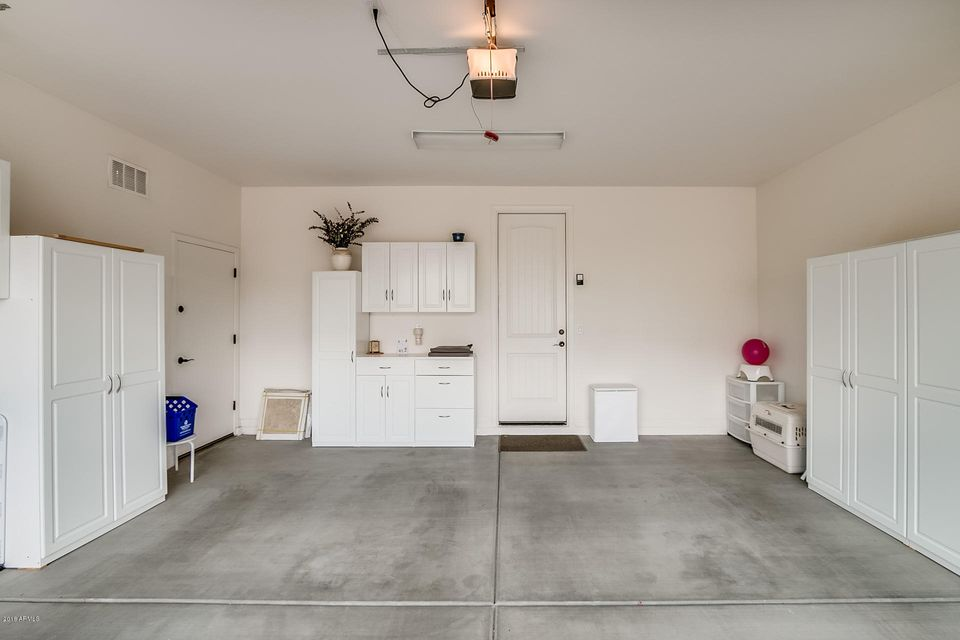 MLS 5737703 231 E Home Improvement Way, Chandler, AZ 85249 Community Pool