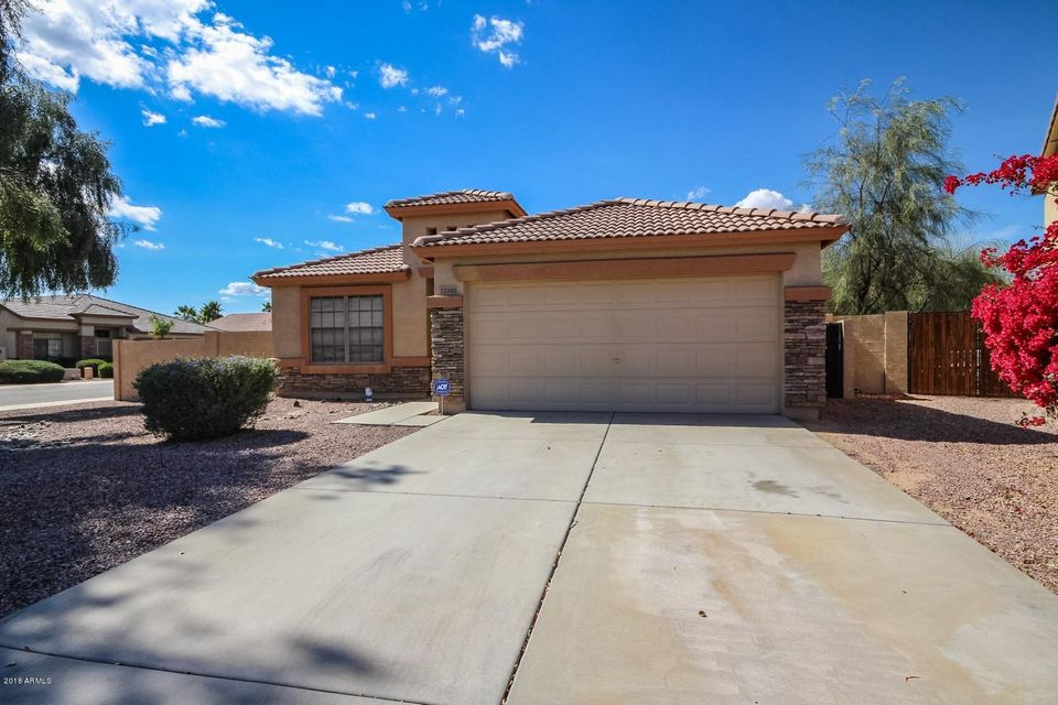 Photo of 13390 W CARIBBEAN Lane, Surprise, AZ 85379
