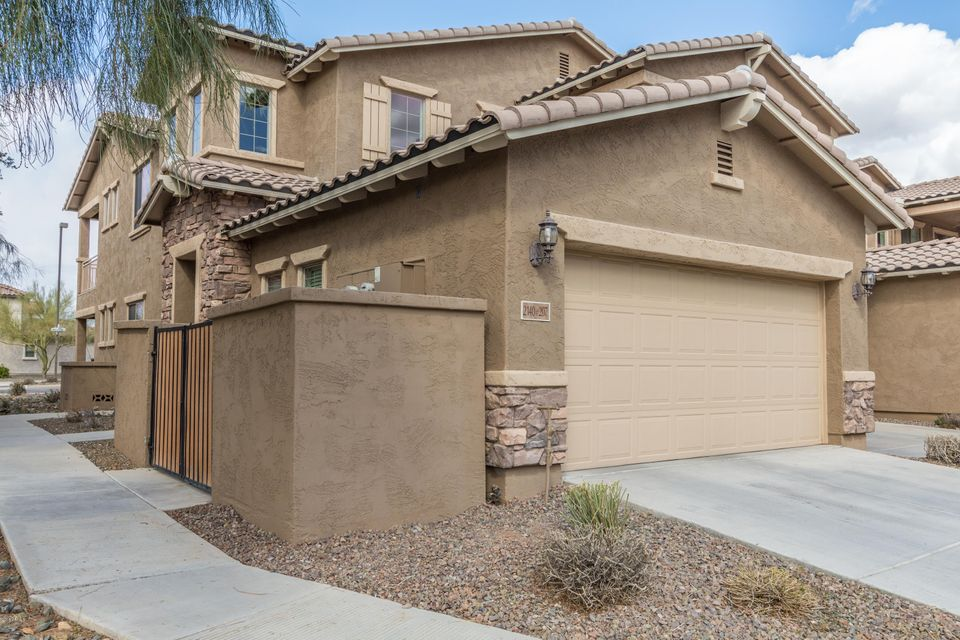 Photo of 2140 W TALLGRASS Trail #207, Phoenix, AZ 85085