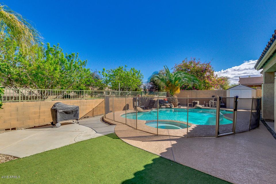 MLS 5737966 19374 E CANARY Way, Queen Creek, AZ Queen Creek AZ Private Pool