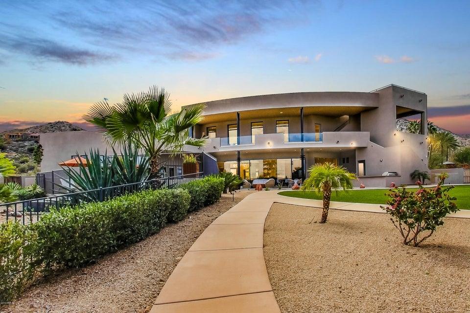 Photo of 4650 E MOCKINGBIRD Lane, Paradise Valley, AZ 85253