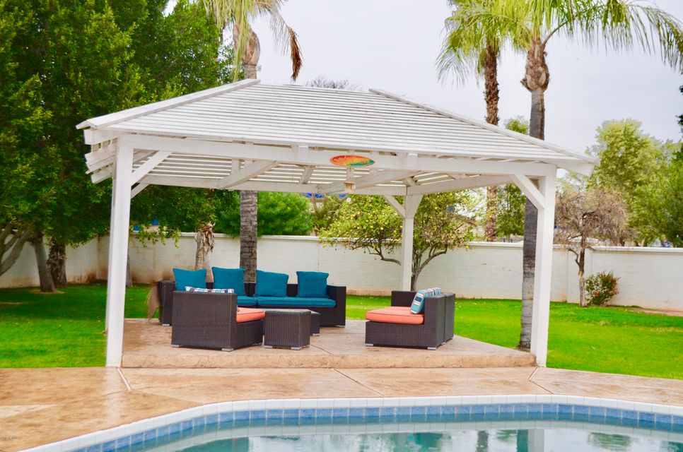 MLS 5738426 1550 E CATAMARAN Drive, Gilbert, AZ Gilbert AZ Val Vista Lakes