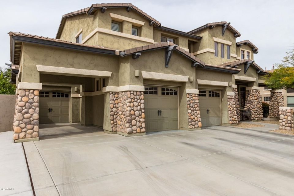 Photo of 15430 W MINNEZONA Avenue, Goodyear, AZ 85395