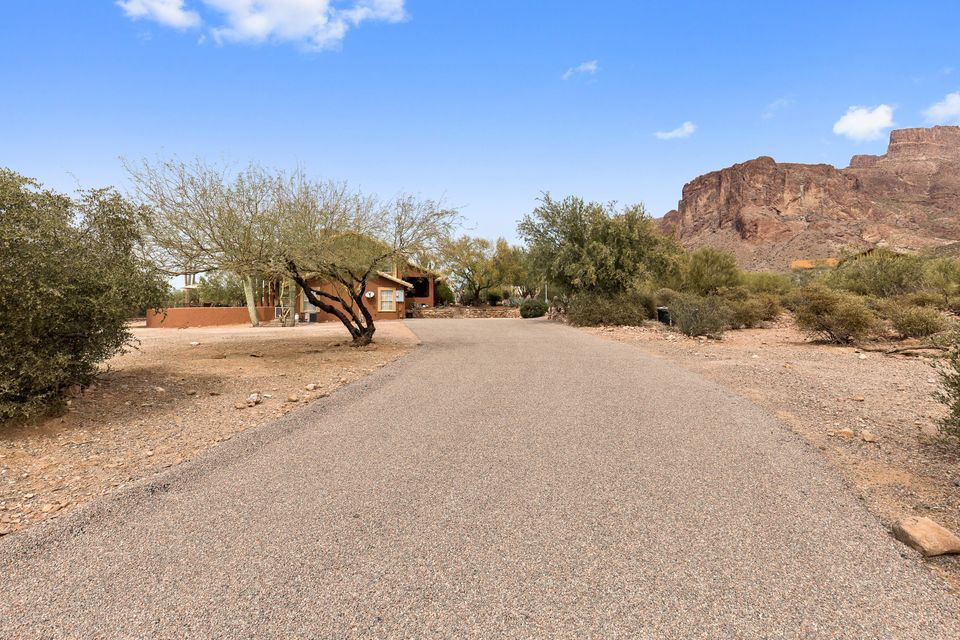 MLS 5740506 6090 E ROUNDUP Street, Apache Junction, AZ 85119 Apache Junction AZ Equestrian