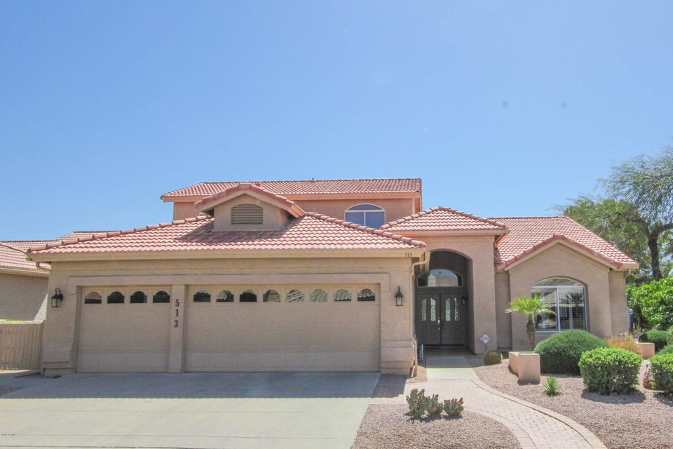 Photo of 513 W CHAMPAGNE Drive, Sun Lakes, AZ 85248