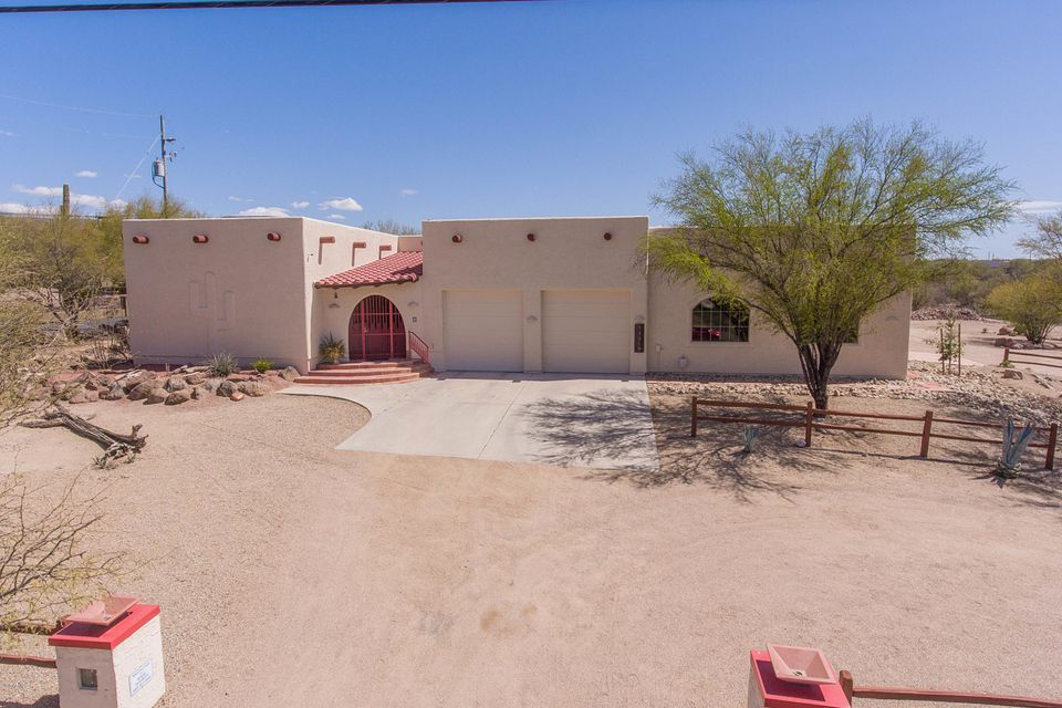 MLS 5742897 44319 N 16TH Street, New River, AZ New River Horse Property