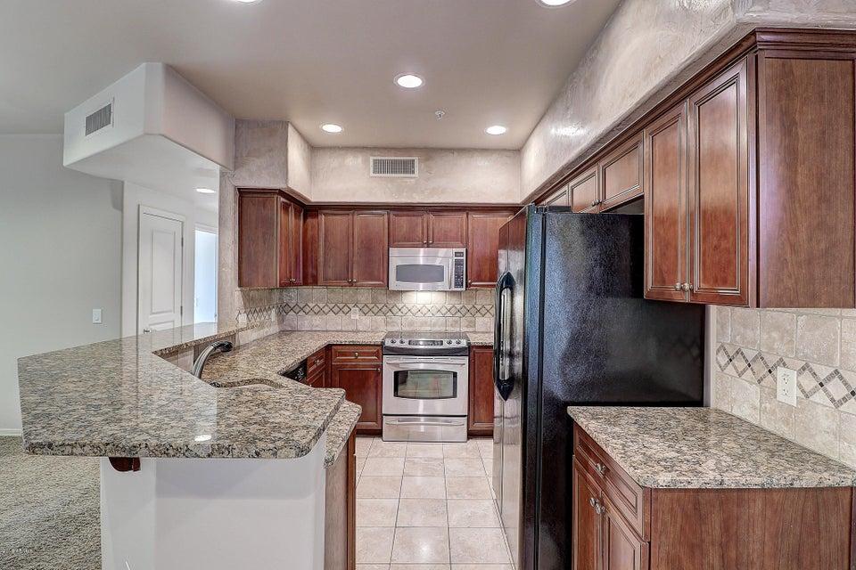Photo of 20660 N 40TH Street #2014, Phoenix, AZ 85050