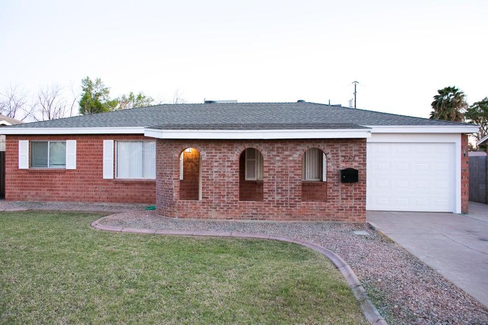 Photo of 727 W DETROIT Street, Chandler, AZ 85225