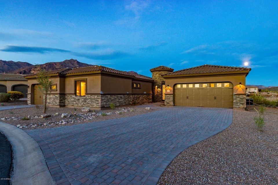 Photo of 4035 S WILLOW SPRINGS Trail, Gold Canyon, AZ 85118