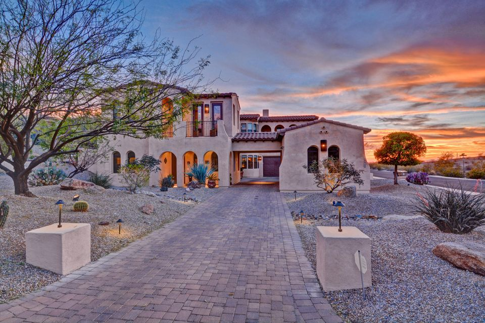 Photo of 18433 W SANTA IRENE Drive, Goodyear, AZ 85338