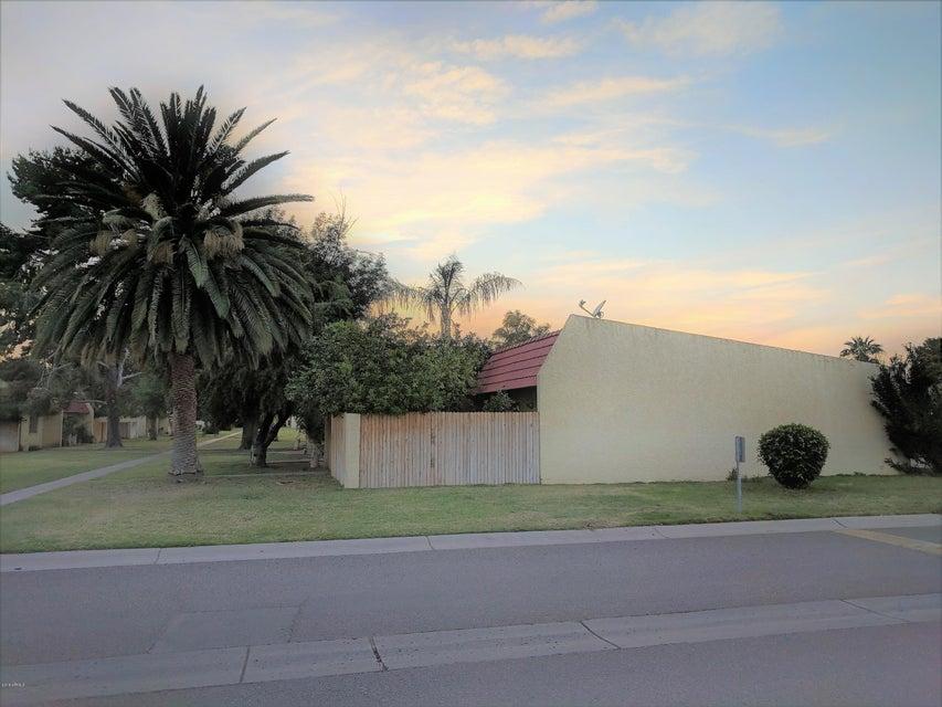 Photo of 3321 W DEL MONICO Lane, Phoenix, AZ 85051