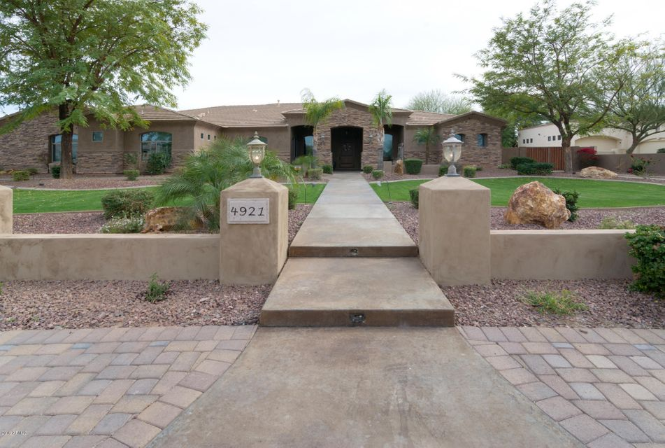Photo of 4921 W ELECTRA Lane, Glendale, AZ 85310