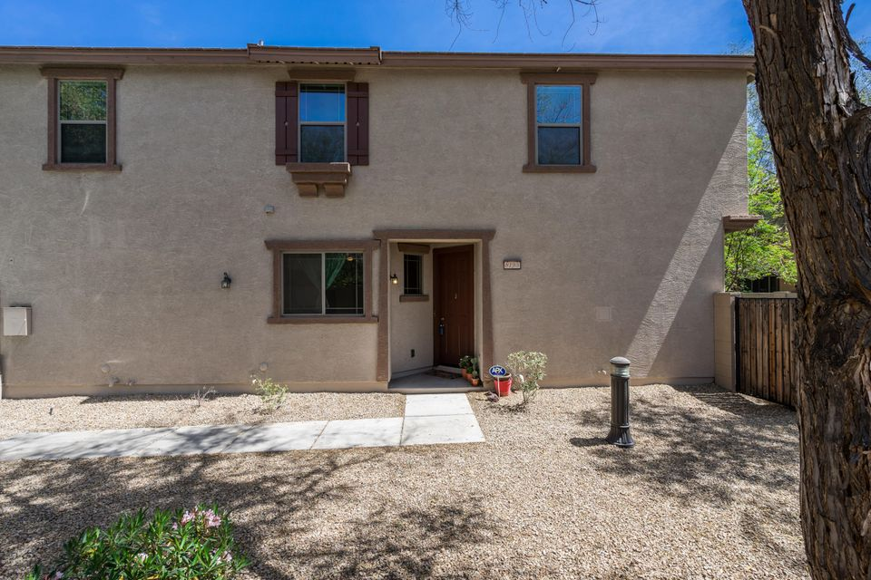 Photo of 8195 W LYNWOOD Street, Phoenix, AZ 85043