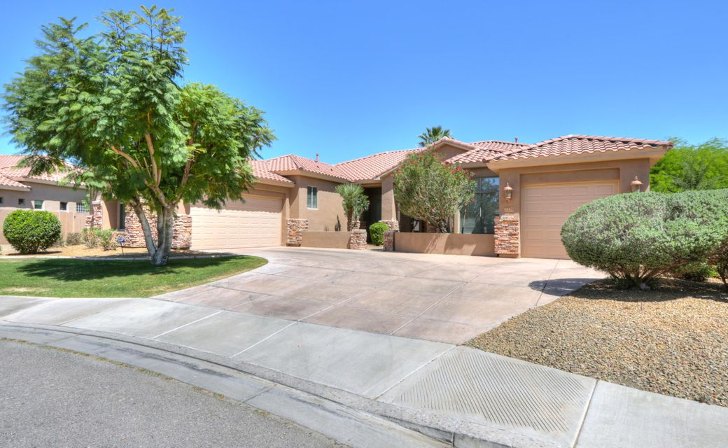Photo of 2220 E PRESCOTT Place, Chandler, AZ 85249