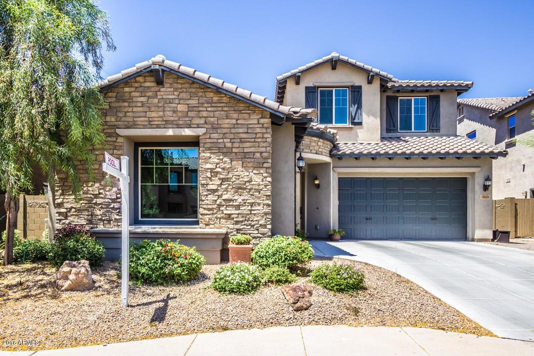 3814 E CAT BALUE Drive, Phoenix AZ 85050