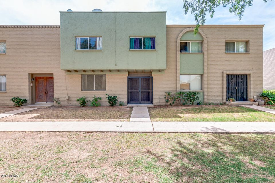 Photo of 225 N STANDAGE Place #72, Mesa, AZ 85201