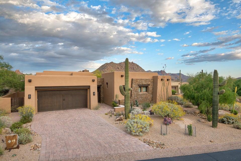 10585 E CRESCENT MOON Drive Unit 19, Scottsdale AZ 85262
