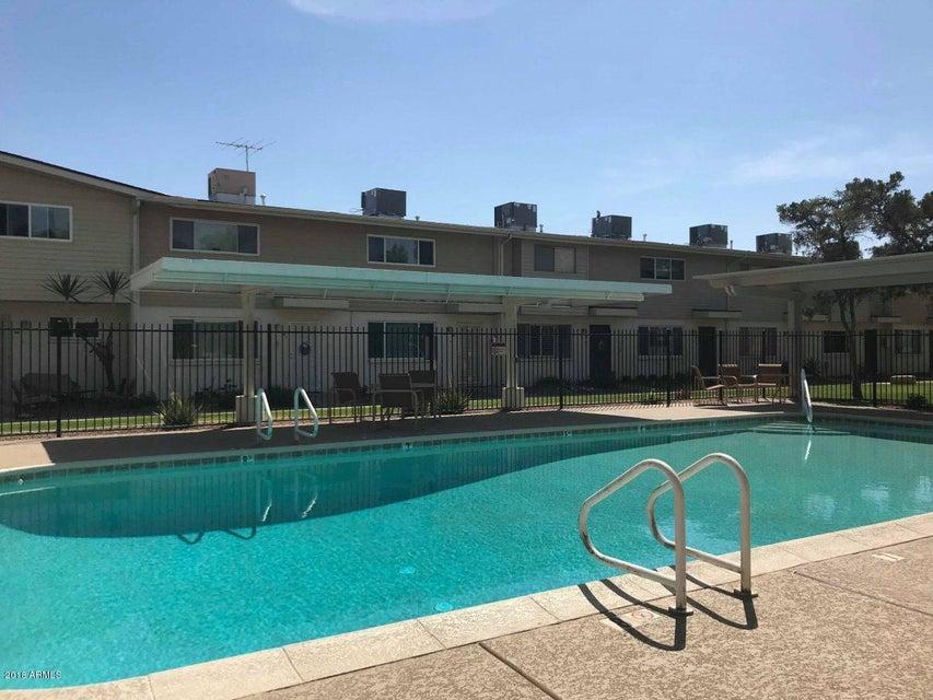 Photo of 8221 E GARFIELD Street #L204, Scottsdale, AZ 85257