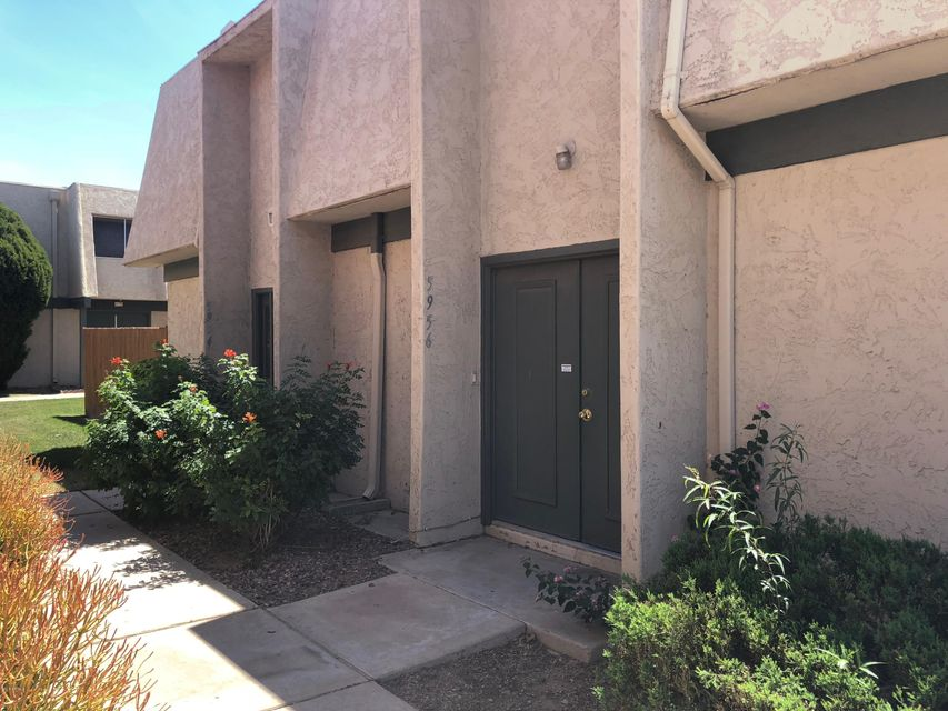 Photo of 5956 W GOLDEN Lane, Glendale, AZ 85302