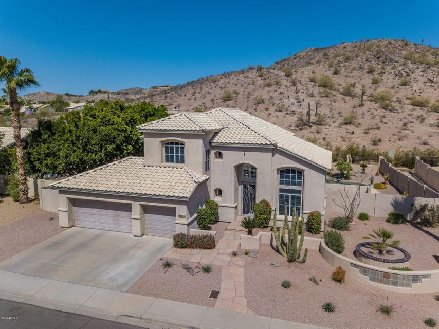 Photo of 2540 E SILVERWOOD Drive, Phoenix, AZ 85048