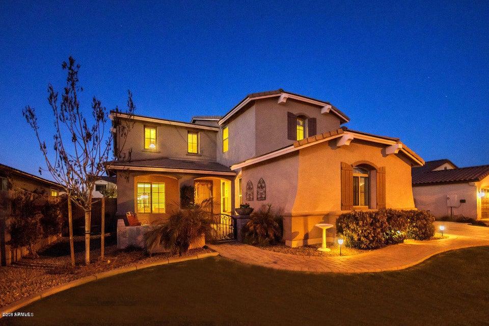Photo of 1404 E TONTO Drive, Chandler, AZ 85249