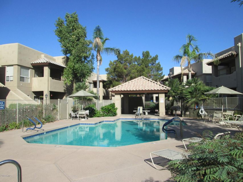 Photo of 1825 W RAY Road #2060, Chandler, AZ 85224