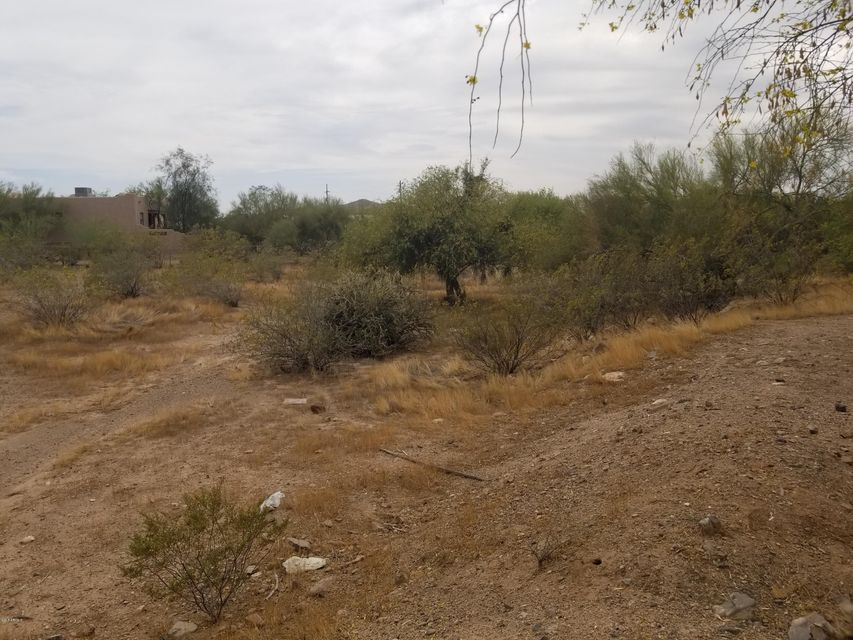 MLS 5759777 1333 E CLOUD Road, Desert Hills, AZ Desert Hills AZ Equestrian