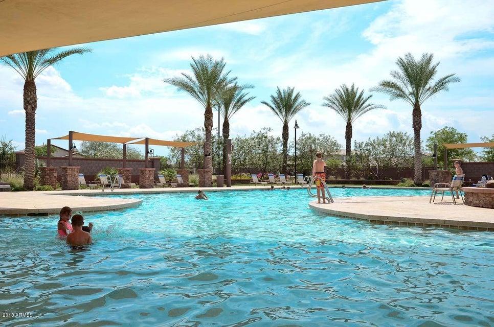 MLS 5760664 1015 W HEATHERWOOD Street, Queen Creek, AZ Queen Creek AZ Golf