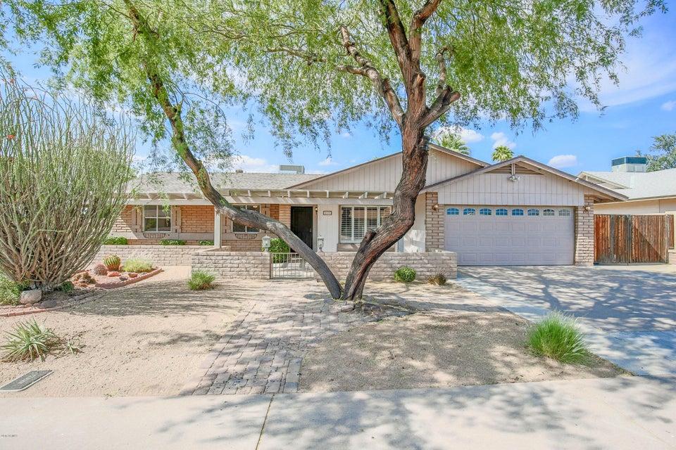 Photo of 4120 W HARTFORD Avenue, Glendale, AZ 85308