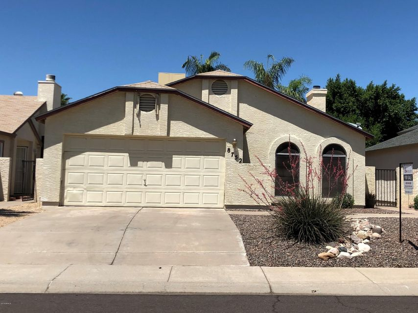 Photo of 8752 W SAINT JOHN Road, Peoria, AZ 85382