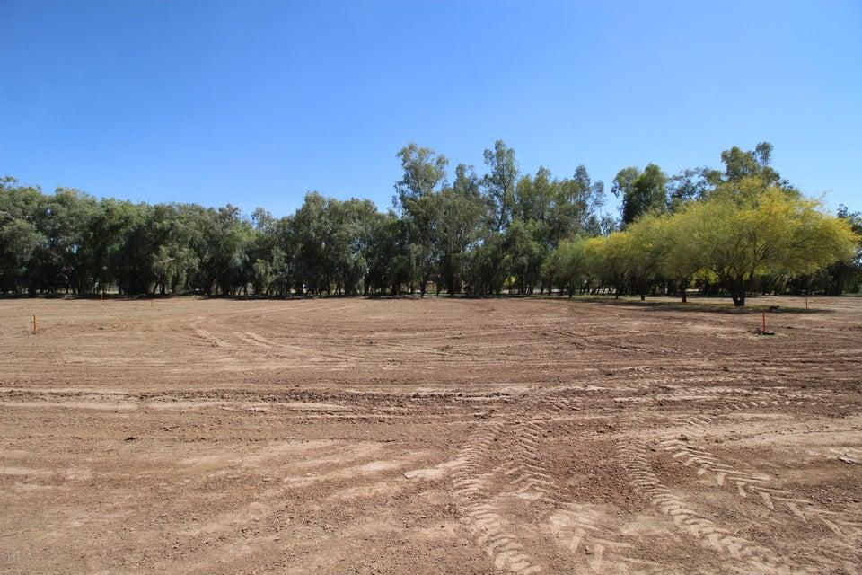 Photo of 13013 E BROOKS FARM Road, Chandler, AZ 85249