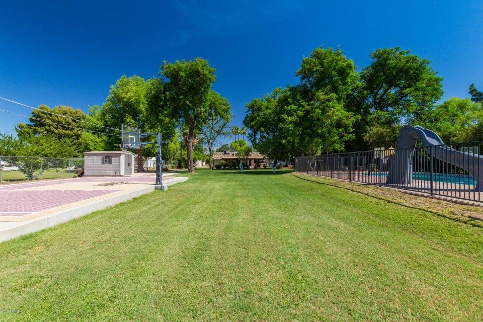 Photo of 2039 W CHEYENNE Drive, Chandler, AZ 85224